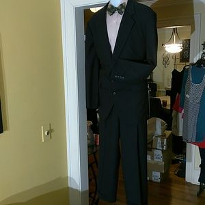 Corbini mens navy 2pc Suit